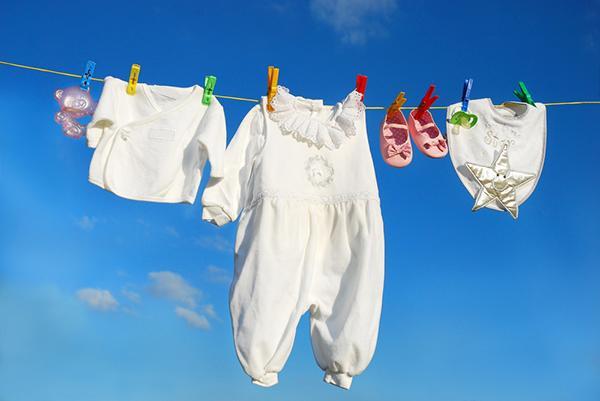 Cách chọn quần áo cho bé 0-3 tháng tuổi