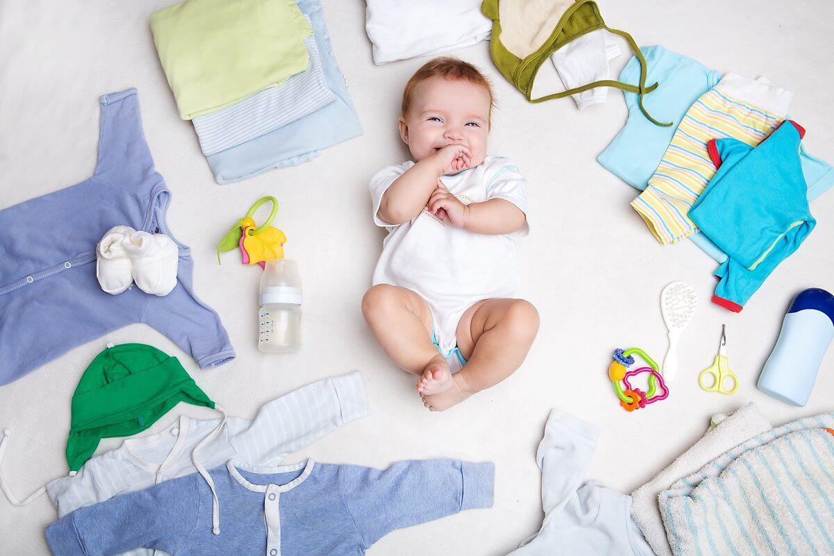 Lưu ý khi chuẩn bị tủ quần áo cho bé 0-3 tháng tuổi