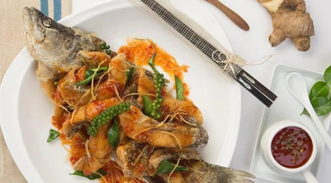 Cá ngần cuộn lá lốt